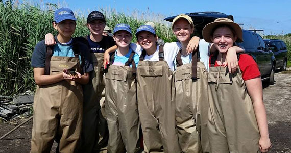 Desla 2015 Students in their waders